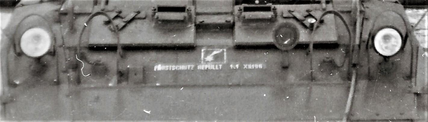 D:\Archiv Nemeth\Fzg-Gerät-Ausrüstung\Fahrzeuge\Mehrspurige Kfz\BH Fahrzeuge\M8\Beleuchtung\österr Scheinwerfer.jpg
