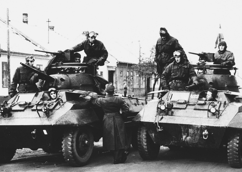 D:\Archiv Nemeth\Fzg-Gerät-Ausrüstung\Fahrzeuge\Mehrspurige Kfz\BH Fahrzeuge\M8\Ungarn 1956\sw_15921_04.jpg
