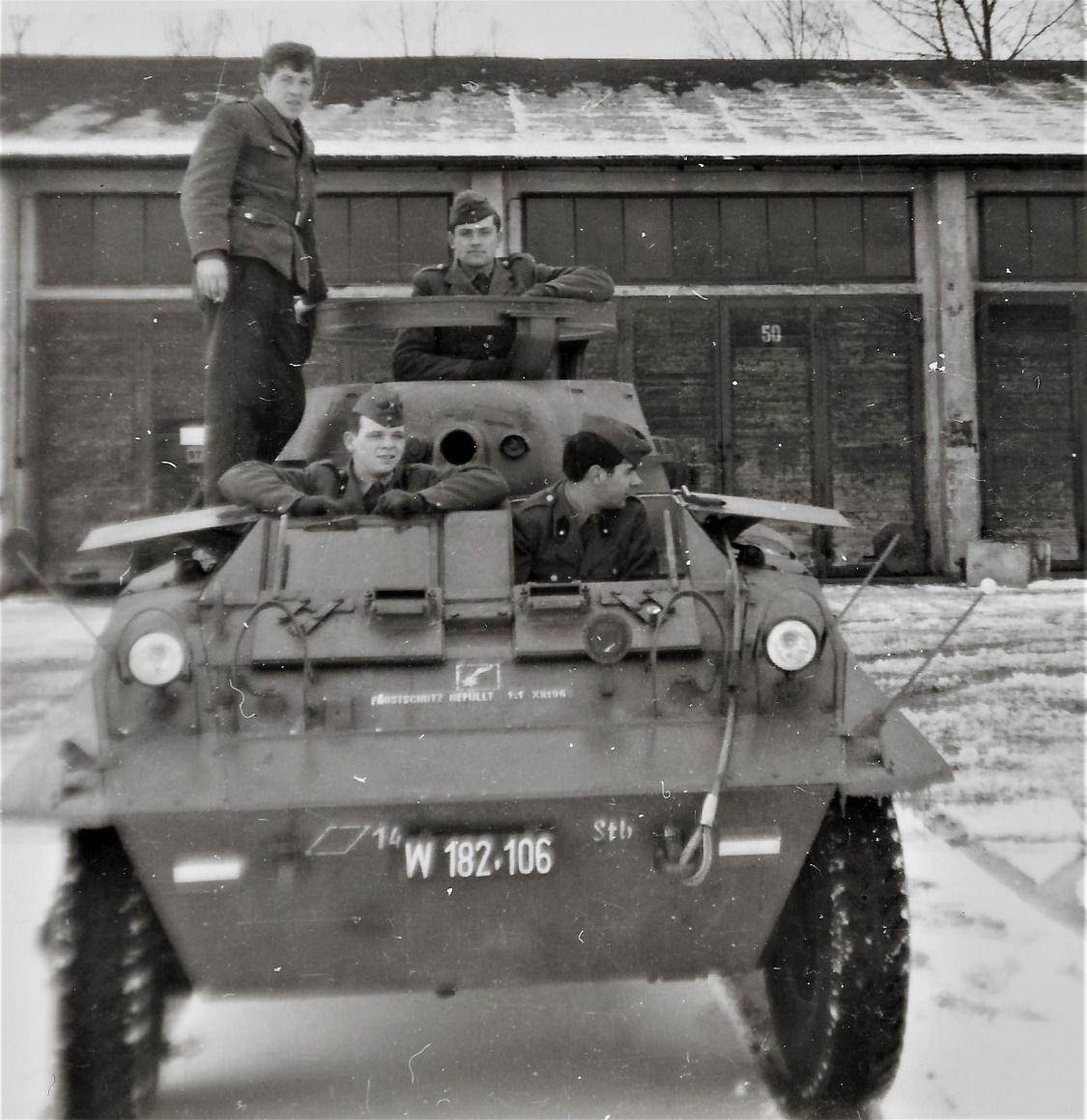 D:\Archiv Nemeth\Fzg-Gerät-Ausrüstung\Fahrzeuge\Mehrspurige Kfz\BH Fahrzeuge\M8\W 182 106 Fahrschule, 1965 4 (2).jpg