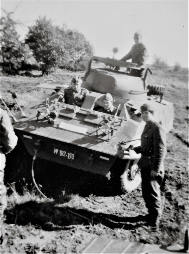D:\Archiv Nemeth\Fzg-Gerät-Ausrüstung\Fahrzeuge\Mehrspurige Kfz\BH Fahrzeuge\M8\W 182 110 Fahrschule, 1965 .jpg