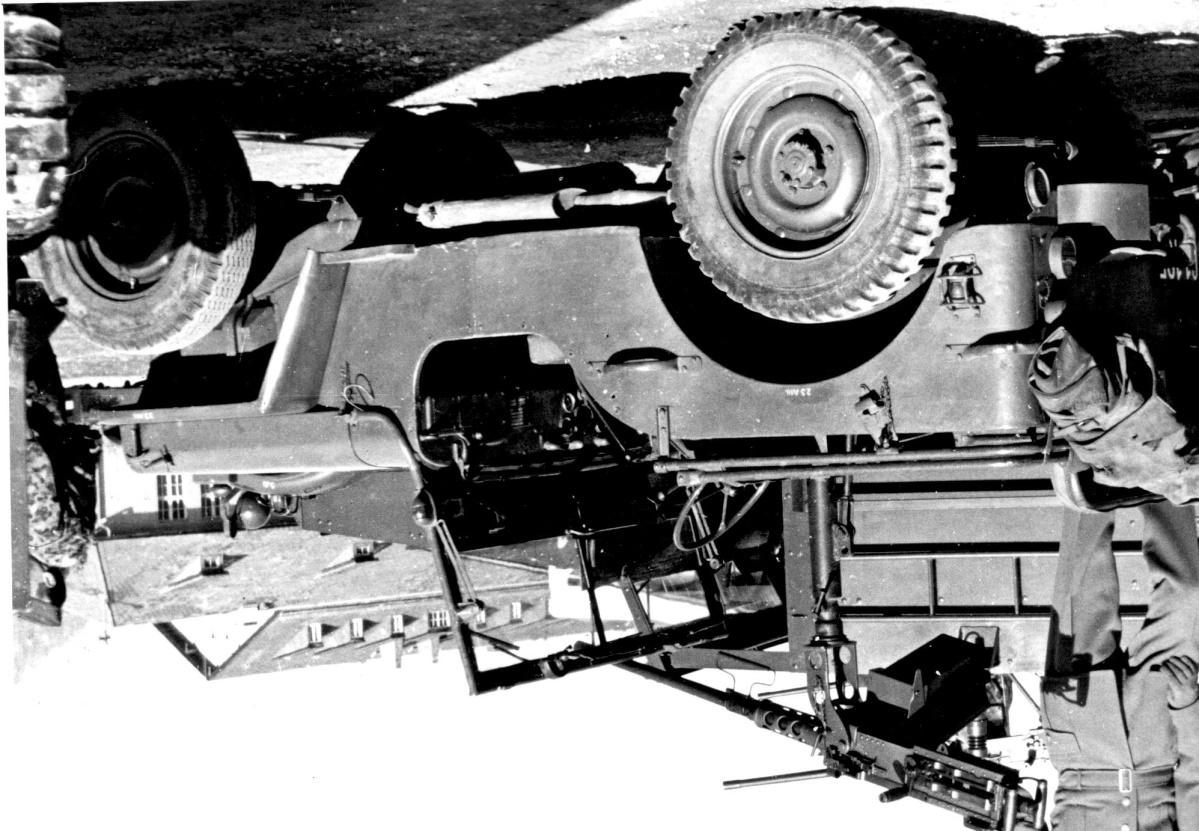 D:\Archiv Nemeth\Fzg-Gerät-Ausrüstung\Fahrzeuge\Mehrspurige Kfz\BH Fahrzeuge\Jeep\üsMG.jpeg