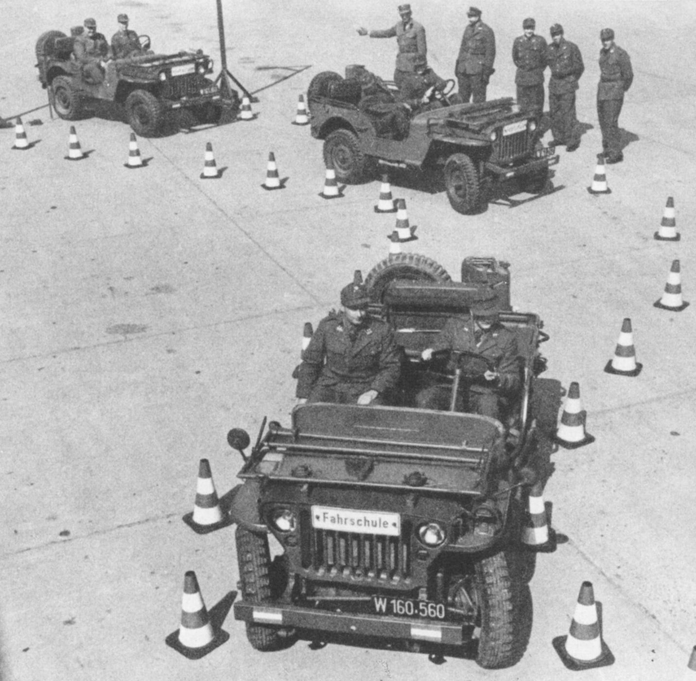 D:\Archiv Nemeth\Fzg-Gerät-Ausrüstung\Fahrzeuge\Mehrspurige Kfz\BH Fahrzeuge\Jeep\Jeep-FS2.JPG