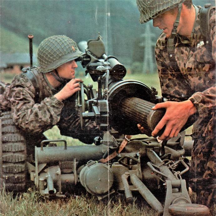 D:\Archiv Nemeth\Fzg-Gerät-Ausrüstung\Fahrzeuge\Mehrspurige Kfz\BH Fahrzeuge\Jeep\rPak\10,6 rPak 66-2.jpeg