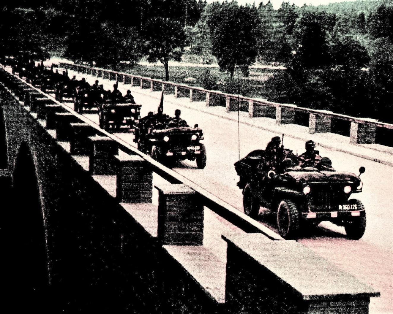 D:\Archiv Nemeth\Fzg-Gerät-Ausrüstung\Fahrzeuge\Mehrspurige Kfz\BH Fahrzeuge\Jeep\Kolonne.jpeg